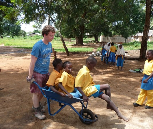 Volunteer on community projects as part of our gap year programs
