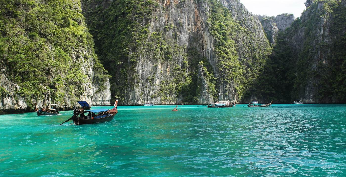 Make the most of your time after graduating and travel to Thailand